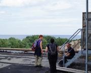 Auch das gehört zum Job eines Hausmeisters, Dacharbeiten - hier mit herrlichem Ostseeblick