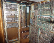 Abenteuerspielplatz der SED, die Telefonüberwachungsanlage im Keller