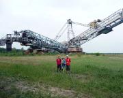 Geocaching ist auch die Heimat entdecken, hier z.B. bei Hosena am Abraumbagger