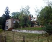 Blick auf das Hauptgebäude des von uns besuchten Ferienlagers
