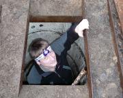 Lost Place Geocache Felix - ein Bunker des MfS, Wiese steigt ein