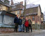 Lost Place Geocache in der Nervenheilanstalt Teupitz - unser Team nach dem Erfolg