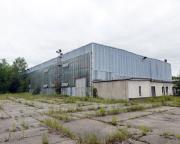 Diese riesige Halle zeugt aber auch von einer Geschichte dieses Werkes nach dem Ende der DDR