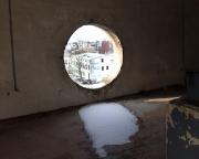 Aussicht  aus dem Rundfenster des Fahrstuhl-Motorenraumes