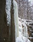 Noch ein paar Meter weiter eine weitere Überraschung - richtig steile Eissäulen