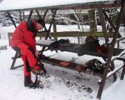 Tag 2, Ziel steile Bielatal-Eisfäll – Anlegen der Ausrüstung am Parkplatz