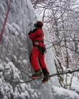 Thomas bei einem der zahlreichen Auf- und Abstiege im Steileis