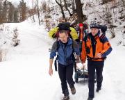 Der tägliche Fluch der Vereinshütte - 1,5 km bergauf und -ab Transport von Wasser & Co
