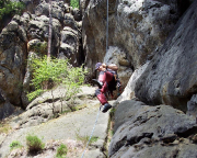 Beim Abseilen vom Regenstein sind die letzten Meter freischwebend