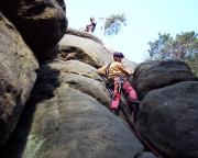 In der Route Künstlicher Weg III am Gipfel Götze