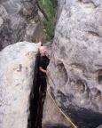 Wildensteinscheibe, Alter Weg III, der sehr enge Kamin auf den Pfeiler
