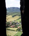 Blick vom Abstieg durch das Nadelöhr nach Pfaffendorf