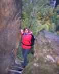Beim Zustieg zum Kletterziel an der Oberen Affensteinpromenade in der Häntzschelstiege
