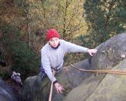 Mutig steigt Christina ihren ersten Gipfel, den Knochenturm in den Affensteinen