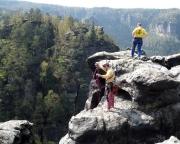 Klettern an den Pechofensteinen, hier auf dem Gipfel des Köhler