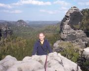 Ralf kommt auf dem Hinteren Pechofenhorn an, im Hintergrund die Pechofenspitze