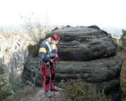 Beim Alten Weg, III, auf das Gänseei steht man neben der Abseilköse - und ist doch noch lange nicht drüben!!!