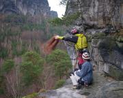 Der letzte Seilwurf des Tages - am letzten Abseilstand am Falkenstein