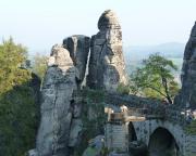 Ein weiterer Zielgipfel des Tages - das Neurathener Felsentor an der Basteibrücke