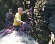 Das erste Highlight des Tages: Ralf auf dem Grünen Stein.