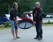 Heldenhaft hat Fechi die große Pfanne des Forsthauses Mittelndorf in der Kirnitzsch gereinigt