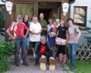 Nach der Tour durchs Kirnitzschtal vor der Gaststätte Am Weinberg in Mittelndorf