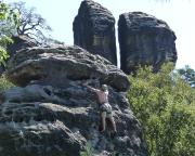 Scherge, Talweg IV, im Hintergrund der Lochturm