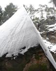 Die Brandpyramide im Winter - haben wir vor Respekt glatt stehen lassen.