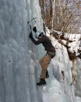 Eisklettern - Carmen an einem der steilen Bielatal-Eisfälle