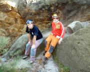 Wiese und Max vor der Befahrung der Sandloch-Höhle