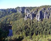 Blick vom Gipfel Lokomotive-Dom auf Amselsee und die Gansfelsen