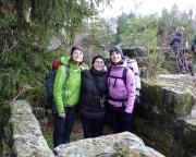 Unsere drei Burgfräulein ...  in den den meisten unbekannten Ruinen auf dem Pfaffenstein.