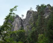 Blick von der Felsenbühne in Richtung der Felsenburg Niederrathen