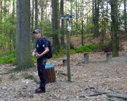 Am Einstieg zu den Schwedenlöchern - ein Abstecher zum gekennzeichneten Aussichtspunkt mit Blick in den Wehlgrund lohnt auf jeden Fall