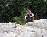 Roberto im Landeanflug auf dem Gipfel des Steinbachturmes - warum soll man übetreten, wenn man springen kann ;)