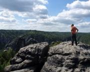 Talblick und Rundumblick genießen - auf dem Gipfel des Honigsteins.