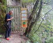 Nicht zu fasse - im Bereich der Ochelbaude gibt es nagelneue Routen und Klettersteige - kostenpflichtig!