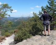 Heringstein - Lohn der Mühen, ein - hier leider etwas verbauter - Ausblick in das Gebirge