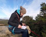 Erstes Gipfelbuch des Jahres. im Hintergrund der Kleine Lorenzstein.