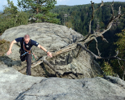 Heringstein, der Weg zum vom Gipfelbuch muss gesprungen werden