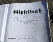 Gipfelbuch unseres ersten Gipfels mit einer originellen Startseite