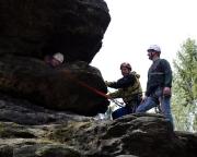 Als dritte erreicht Katrin das Tunnelende auf dem Stelzchenkegel