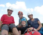 Gruppen-Selfi unseres tollen Teams auf dem Gipfel des Toten Zwerges