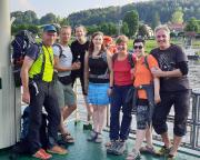 Der Tag endet, wie begonnen - Fährenfahrt über die Elbe