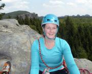 Auf der Wildensteinscheibe, im Hintergrund Zyklopenmauer - Kuhstall