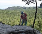 Die letzten Abseilmeter vor großer Kulisse – als Nachsteigerin hat Almuth die Verantwortung für den Rucksack