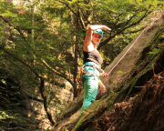 Almuth unterwegs im botanisch wertvollen Alten Weg am Waldgeist