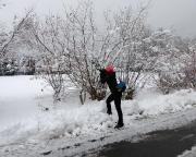 Beim Start an der Buchenparkhalle Hinterhermsdorf – massig Schnee und ausreichend Fotomotive für Almuth