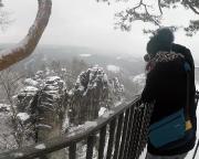 Blick von der Basteiaussicht auf die Felsen der Basteibrücke