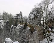 Basteibrücke im Winter - wie das gesamte Gebirge in unseren Augen besonders reizvoll.
